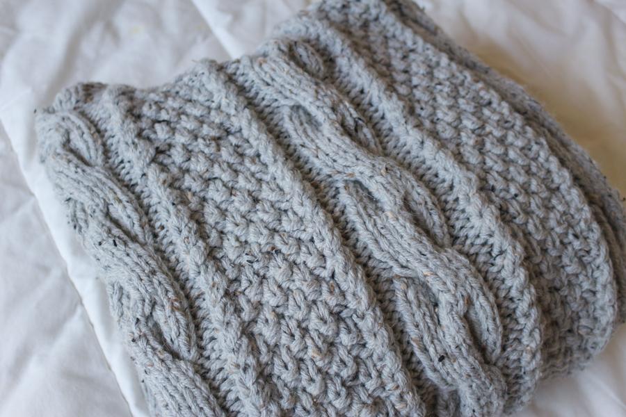 Gilet tricoté avec des tosades