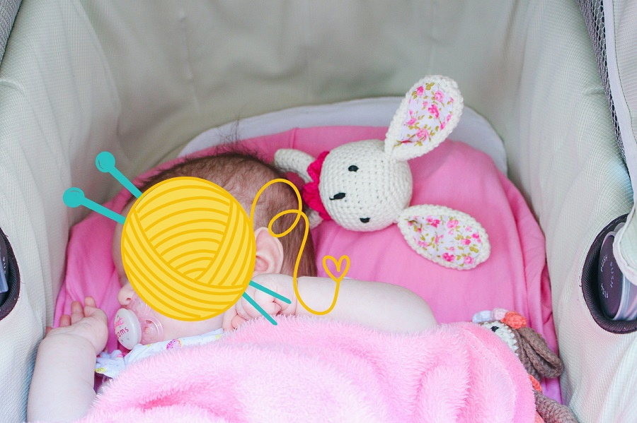 Hochet lapin rose avec bébé